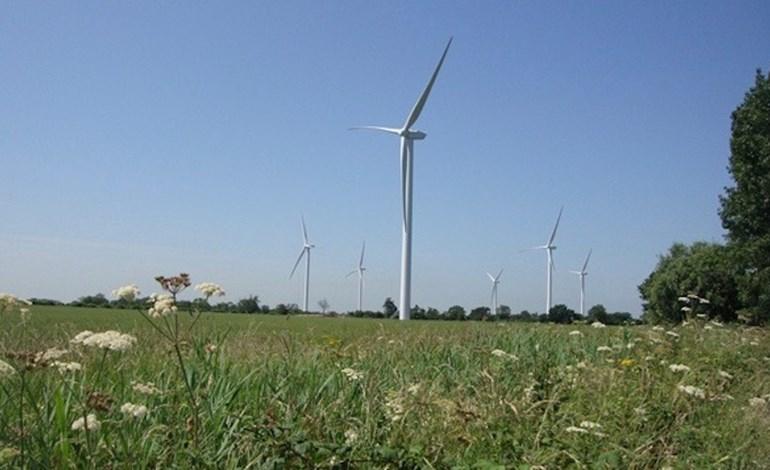 UK 'should have 50% renewables by 2030'